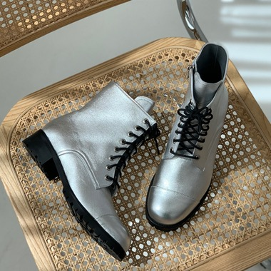Laceon Lace Up Silver Walker Boots 라씨옹 실버 워커 부츠